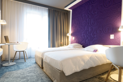 hotel mercure la roche sur yon. Black Bedroom Furniture Sets. Home Design Ideas