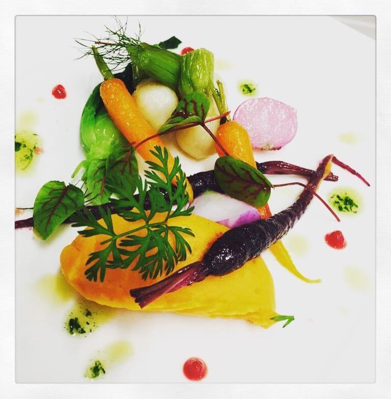 Plat végétarien avec les légumes des Jardins de St Hilaire